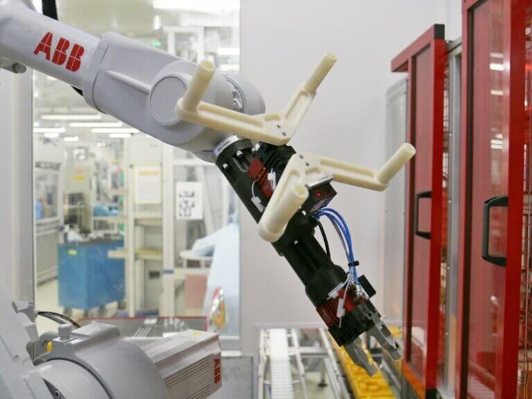Príruba zápästia robotického ramena